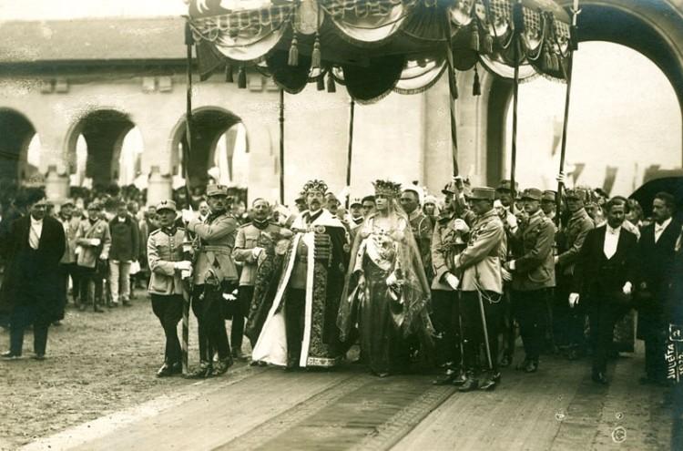 Regele Ferdinand I și Regina Maria.Încoronarea Regelui Ferdinand I ca domn al României Mari,Alba-Iulia,15 octombrie 1922